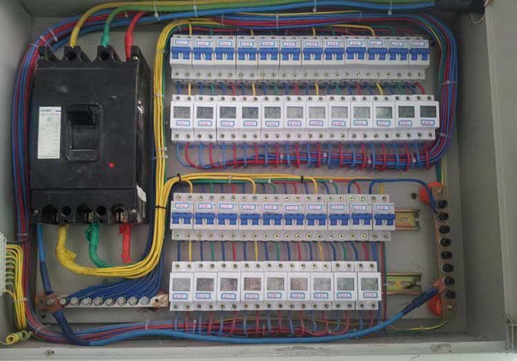 3个家庭电表接线图